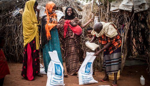 要らなくなった物の寄付は途上国や被災地で本当に役立つ?寄付する前に知っておきたい注意点